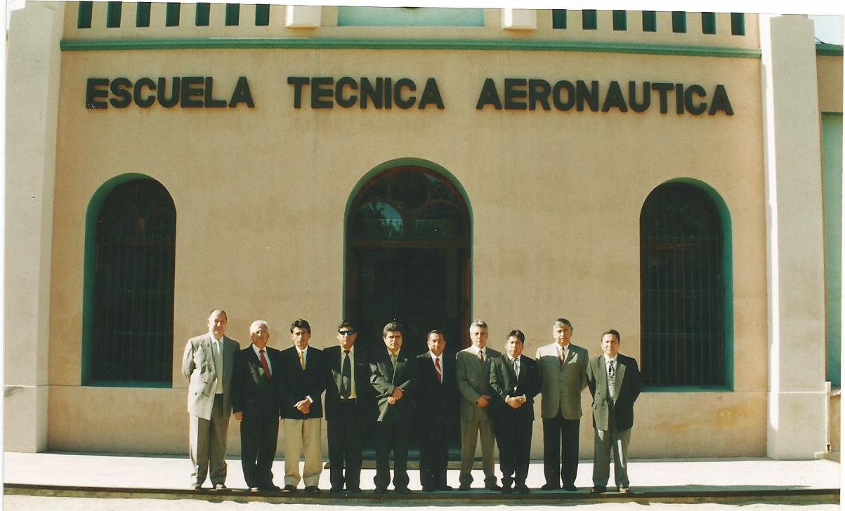 Curso mantención de eficiencia control de aeródromo Ecuador 2004